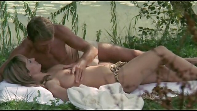 MILF BUSTERS - ENALI & film porno en streaming français VELICITY VON
