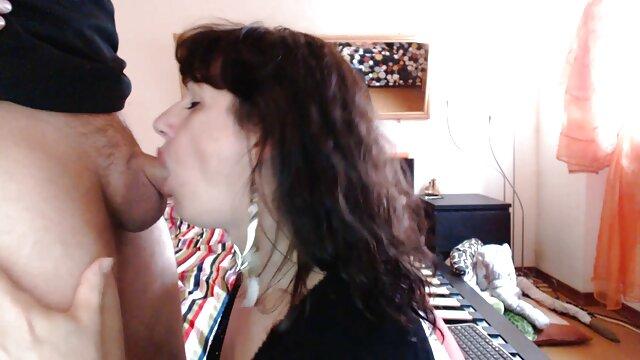MILF chaude film complet en francais xxx se fait lécher et baiser