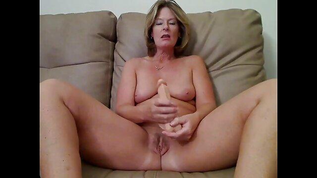 Ado mignonne avec des cintres naturels à double couture, anal streaming film porno francais complet et facial
