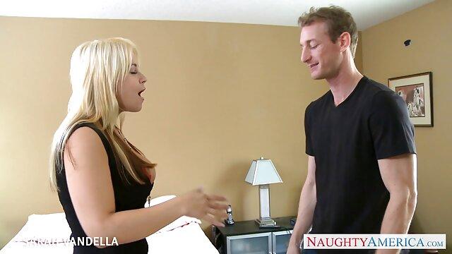 secrétaire sous french porn streaming la jupe