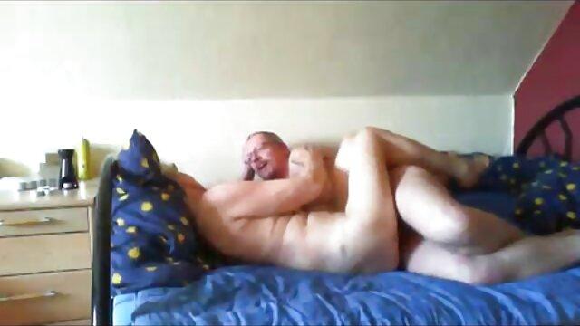 Il film complet porno en francais la ramène à la maison pour frapper sa vieille chatte