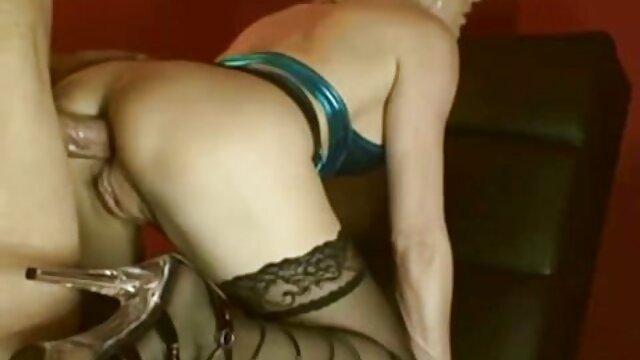 Blonde laiteuse coup-pas film x streaming français d'éjaculation