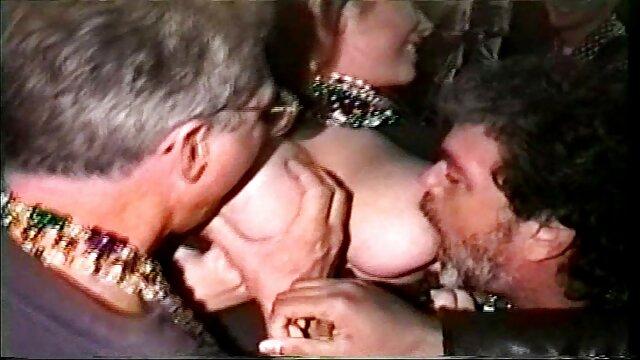 Les mamans se font baiser streaming porno française très fort