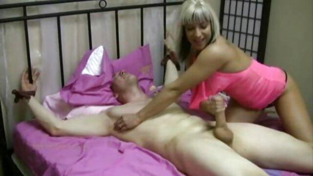 Louise Leeds et Hilary South Megajugs06 film complet en français porn